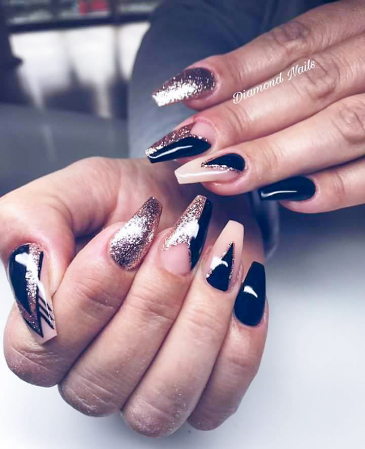 schwarz goldene fingernägel-2